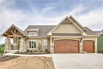 5886 S National Drive, Parkville, MO 64152 (#2119339) :: Kansas City Homes