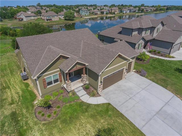 312 SE Mill Creek Drive, Lee's Summit, MO 64063 (#2119390) :: Char MacCallum Real Estate Group