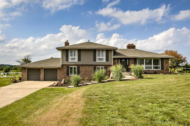16938 Fairmount Road, Basehor, KS 66007 (#2119394) :: Edie Waters Network