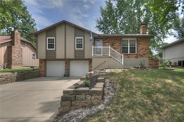18909 E 30th Terrace, Independence, MO 64057 (#2119406) :: Edie Waters Network