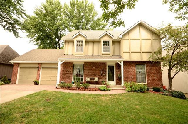 14906 W 83rd Place, Lenexa, KS 66215 (#2119436) :: Char MacCallum Real Estate Group