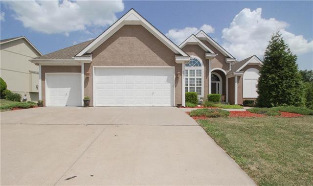 8001 N Mattox Avenue, Kansas City, MO 64151 (#2119481) :: Kansas City Homes