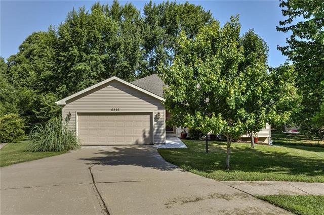 6816 Jason Smith Court, Gladstone, MO 64118 (#2119489) :: Kansas City Homes
