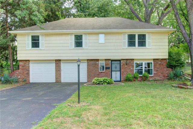 6625 Larsen Lane, Shawnee, KS 66203 (#2119515) :: Char MacCallum Real Estate Group