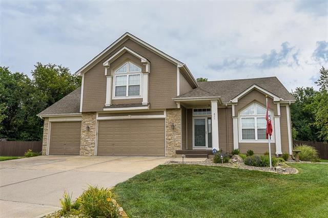 611 Chardonnay Court, Raymore, MO 64083 (#2119521) :: Edie Waters Network