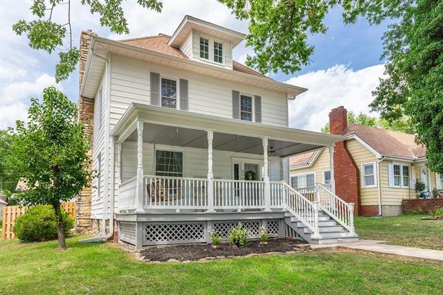 606 E Peoria Street, Paola, KS 66071 (#2119523) :: Char MacCallum Real Estate Group