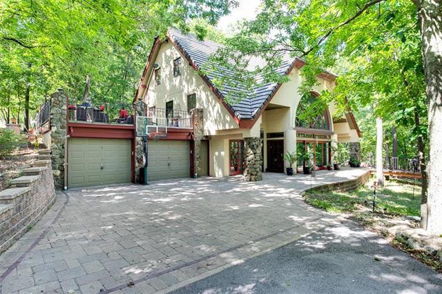 928 NW Cedar Creek Lane, Lee's Summit, MO 64081 (#2119534) :: Kansas City Homes