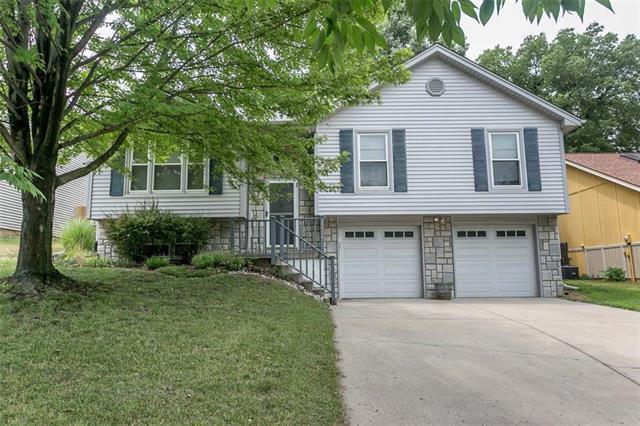 8004 N Everton Avenue, Kansas City, MO 64152 (#2119566) :: Char MacCallum Real Estate Group