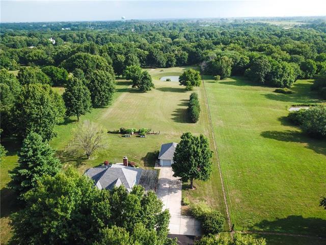 26004 E Milton Thompson Road, Lee's Summit, MO 64086 (#2119581) :: Kansas City Homes