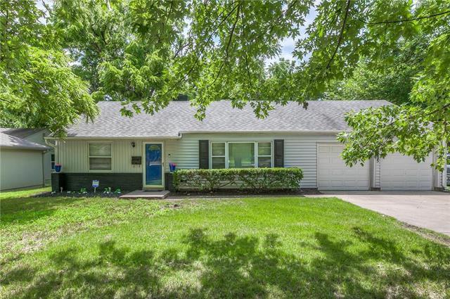 2805 W 75th Street, Prairie Village, KS 66208 (#2119606) :: Kansas City Homes