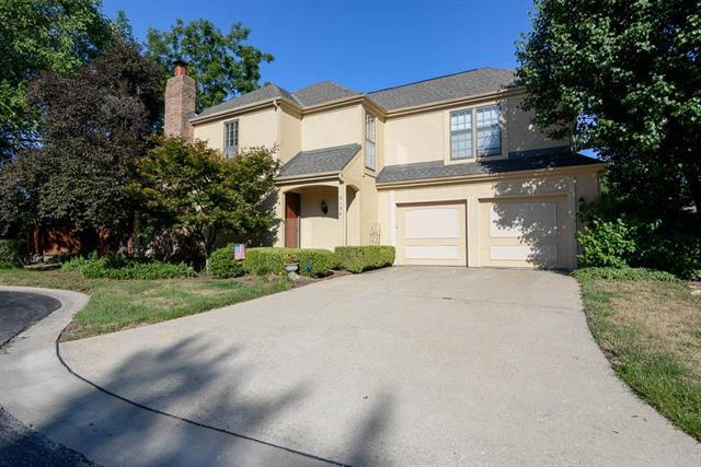 9138 W 102nd Terrace, Overland Park, KS 66212 (#2119620) :: Char MacCallum Real Estate Group