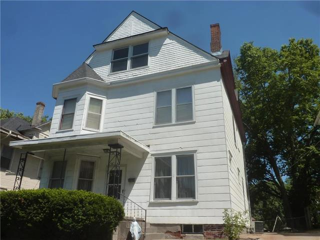 2721 Seneca Street, St Joseph, MO 64507 (#2119631) :: Edie Waters Network