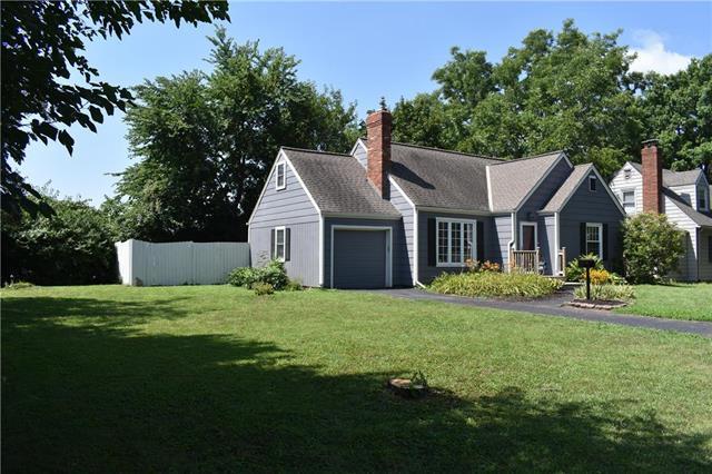 11435 Highridge Drive, Independence, MO 64052 (#2119639) :: Kansas City Homes