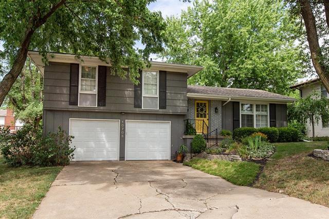 10705 Walrond Street, Kansas City, MO 64137 (#2119642) :: Kansas City Homes