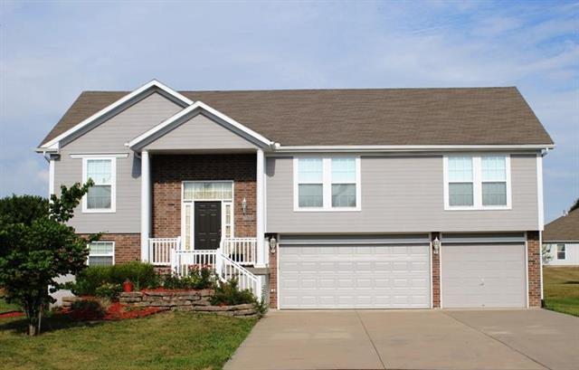 708 SW Woodland Circle, Grain Valley, MO 64029 (#2119644) :: Kansas City Homes