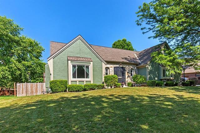 11604 Jefferson Street, Kansas City, MO 64114 (#2119646) :: Kansas City Homes