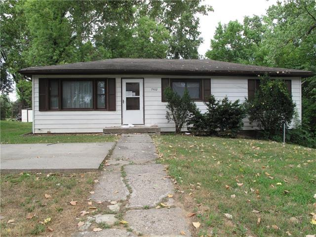 7402 Osage Avenue, Kansas City, KS 66111 (#2119689) :: Edie Waters Network