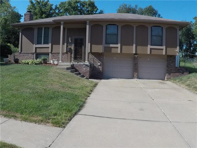 7507 E 90th Terrace, Kansas City, MO 64138 (#2119727) :: Char MacCallum Real Estate Group