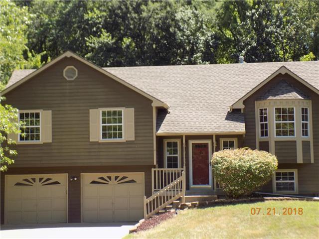 2439 N 88 Terrace, Kansas City, KS 66109 (#2119750) :: Edie Waters Network