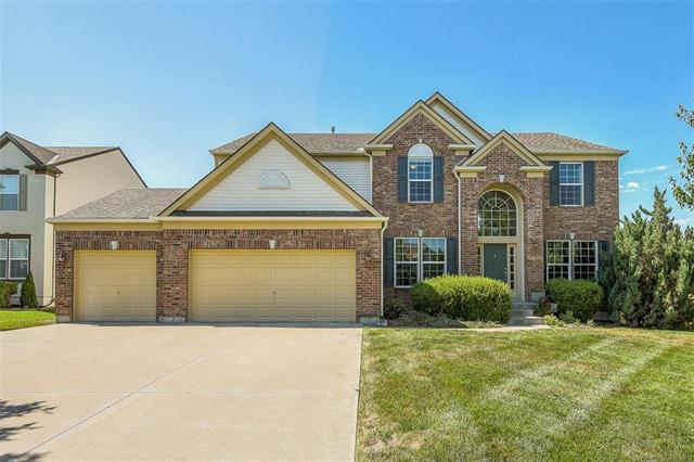 23709 W 94th Terrace, Lenexa, KS 66227 (#2119822) :: Char MacCallum Real Estate Group