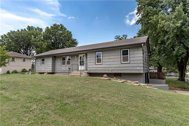 15408 E 35th Street, Independence, MO 64055 (#2119826) :: Edie Waters Network