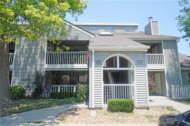 8787 W 106th Terrace, Overland Park, KS 66212 (#2119843) :: HergGroup Kansas City