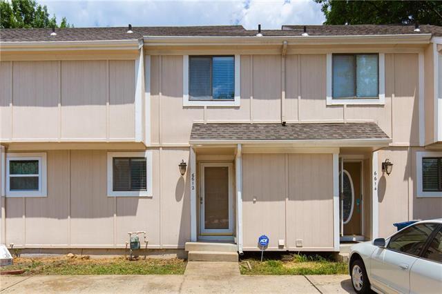 6612 Charles Street, Shawnee, KS 66216 (#2119905) :: Edie Waters Network