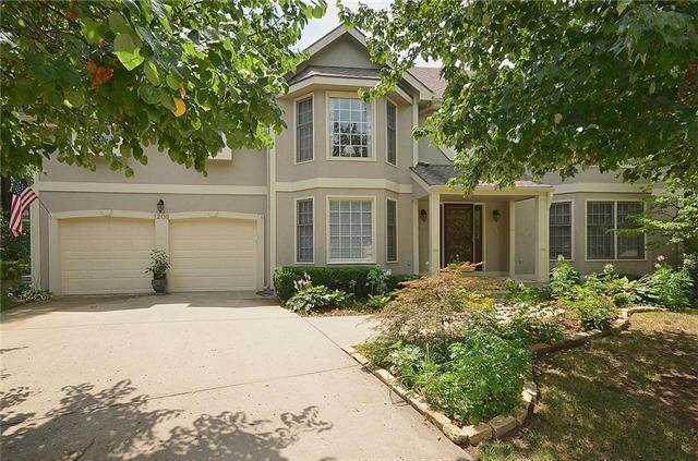 1205 NE 95 Terrace, Kansas City, MO 64155 (#2119932) :: Edie Waters Network