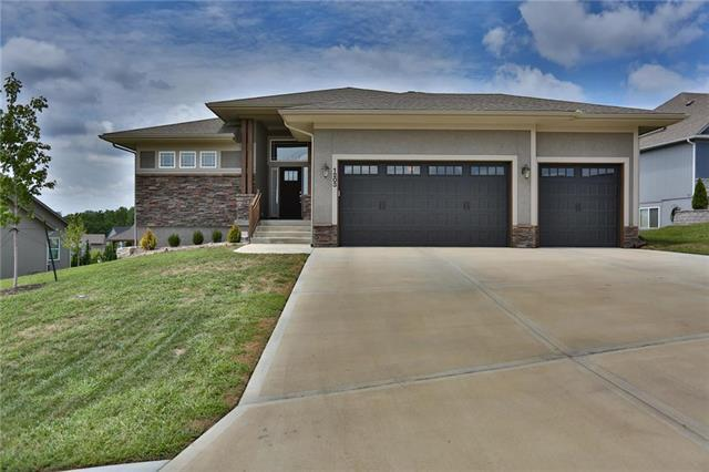 1203 Logan Drive, Pleasant Hill, MO 64080 (#2120055) :: HergGroup Kansas City