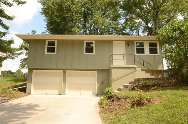 809 NE Wien Avenue, Blue Springs, MO 64014 (#2120134) :: Char MacCallum Real Estate Group