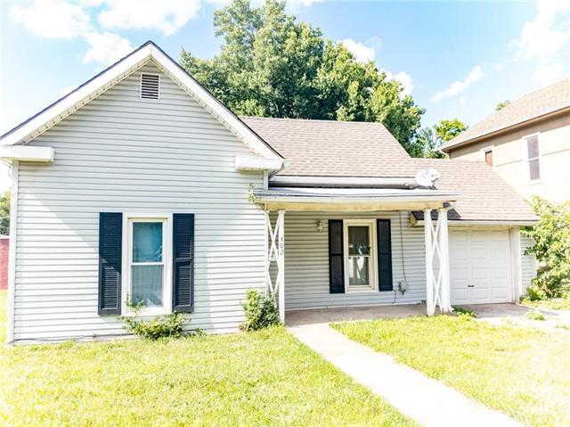 402 E Walnut Street, Independence, MO 64050 (#2120341) :: Edie Waters Network