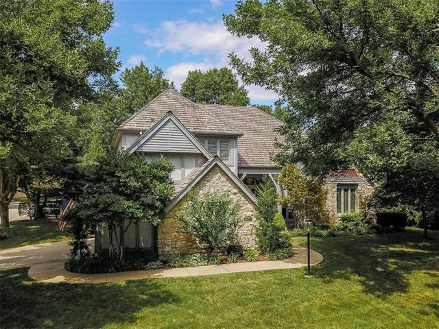 4300 W 125th Street, Leawood, KS 66209 (#2120464) :: The Gunselman Team
