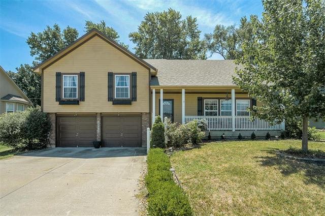 18519 E Bundschu Place, Independence, MO 64056 (#2120524) :: Edie Waters Network