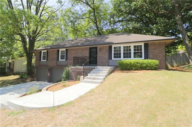 602 Wood Court, Liberty, MO 64068 (#2120556) :: Edie Waters Network