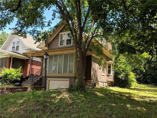 3437 Chestnut Avenue, Kansas City, MO 64128 (#2120773) :: Char MacCallum Real Estate Group