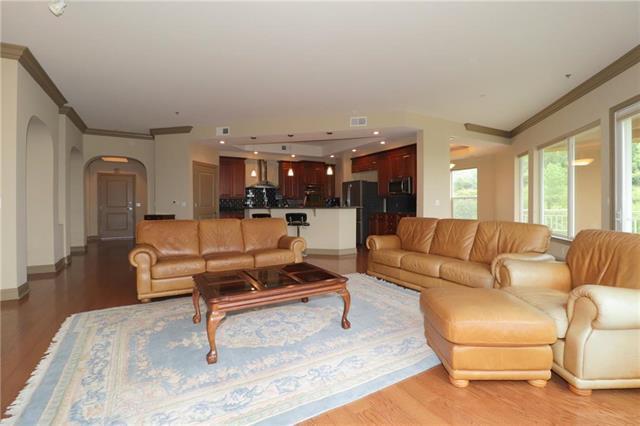 3800 N Mulberry Drive #202, Kansas City, MO 64116 (#2120810) :: Team Real Estate