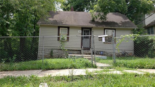 3875 E 60th Street, Kansas City, MO 64130 (#2120857) :: Edie Waters Network
