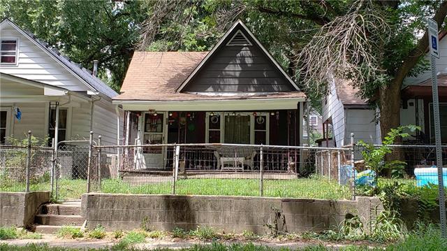 342 Lawndale Avenue, Kansas City, MO 64123 (#2120872) :: Edie Waters Network