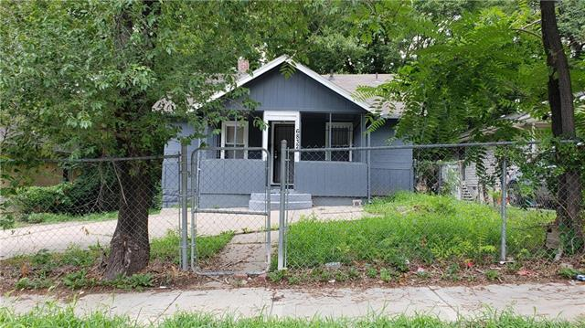 6832 Walrond Avenue, Kansas City, MO 64132 (#2120890) :: Edie Waters Network