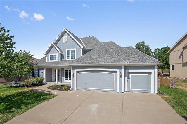 10221 N Avalon Avenue, Kansas City, MO 64154 (#2120943) :: Char MacCallum Real Estate Group