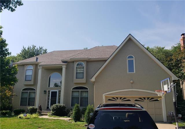 10901 W 128th Terrace, Overland Park, KS 66213 (#2121044) :: Team Real Estate
