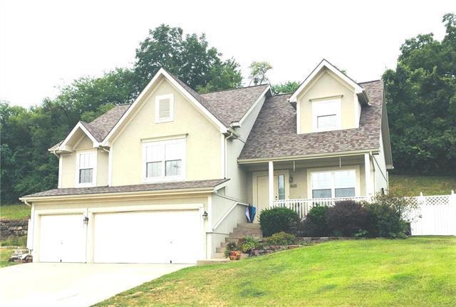 5910 N Mayview Avenue, Kansas City, MO 64151 (#2121072) :: Char MacCallum Real Estate Group