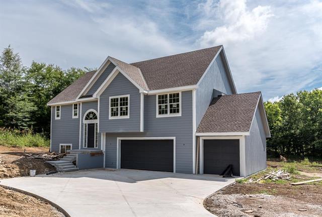 601 N 142nd Street, Bonner Springs, KS 66012 (#2121181) :: Team Real Estate