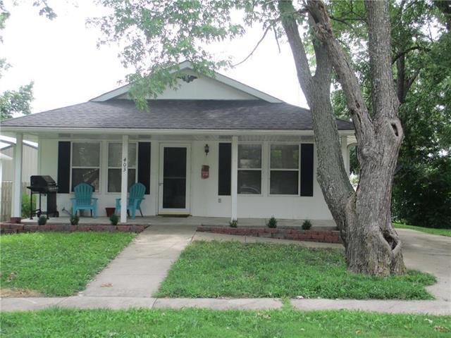 403 Beech Street, Garden City, MO 64747 (#2121261) :: Edie Waters Network