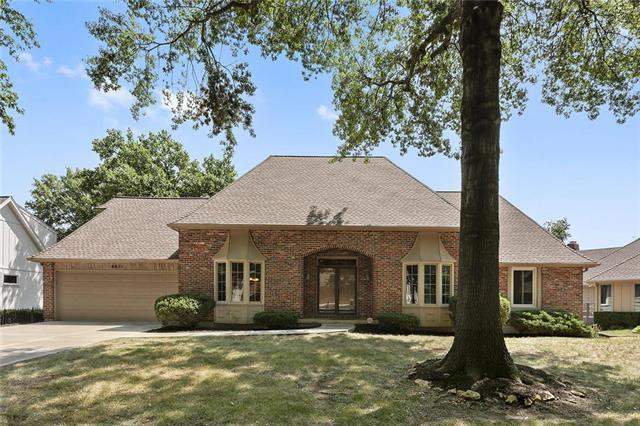 8671 W 102nd Terrace, Overland Park, KS 66212 (#2121304) :: Char MacCallum Real Estate Group