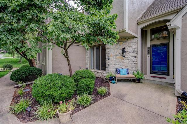 4433 W 130th Street, Leawood, KS 66209 (#2121408) :: Edie Waters Network