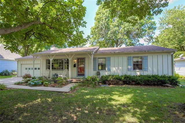 9004 Wedd Street, Overland Park, KS 66212 (#2121550) :: HergGroup Kansas City