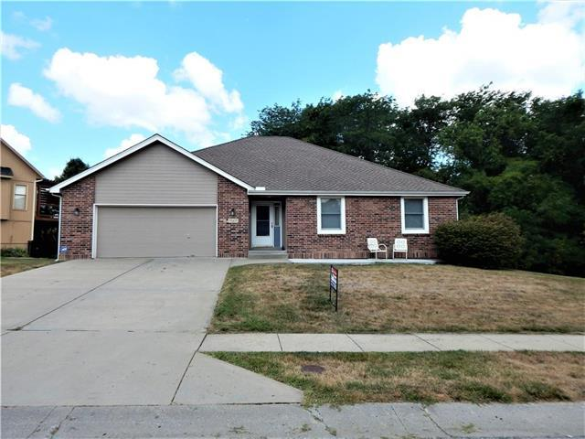 934 Yancey Street, Liberty, MO 64068 (#2121552) :: Edie Waters Network