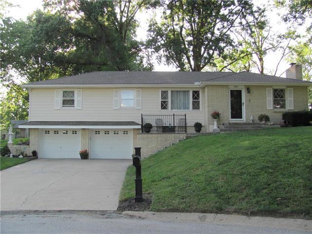 2028 N 74 Street, Kansas City, KS 66109 (#2121566) :: Edie Waters Network