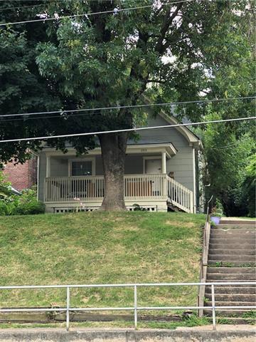 2913 Metropolitan Avenue, Kansas City, KS 66106 (#2121569) :: Edie Waters Network